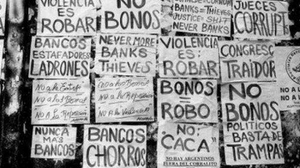 Protestas ante el famoso corralito argentino